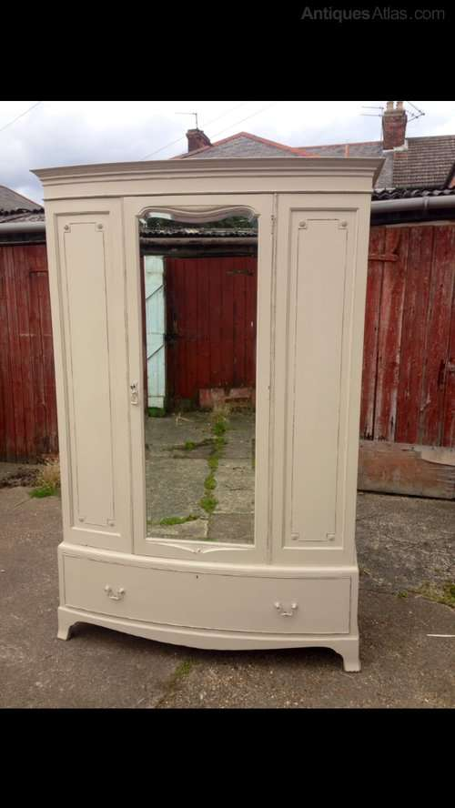 Edwardian Painted Mahogany Bow Front WardrobeSOLD – Ref:1026