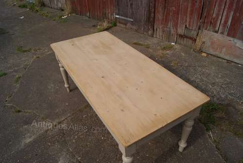 Late Victorian Painted Pine Farmhouse Table4