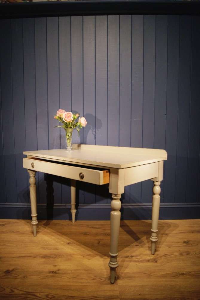 Mid 19th Century Painted Dressing Table2