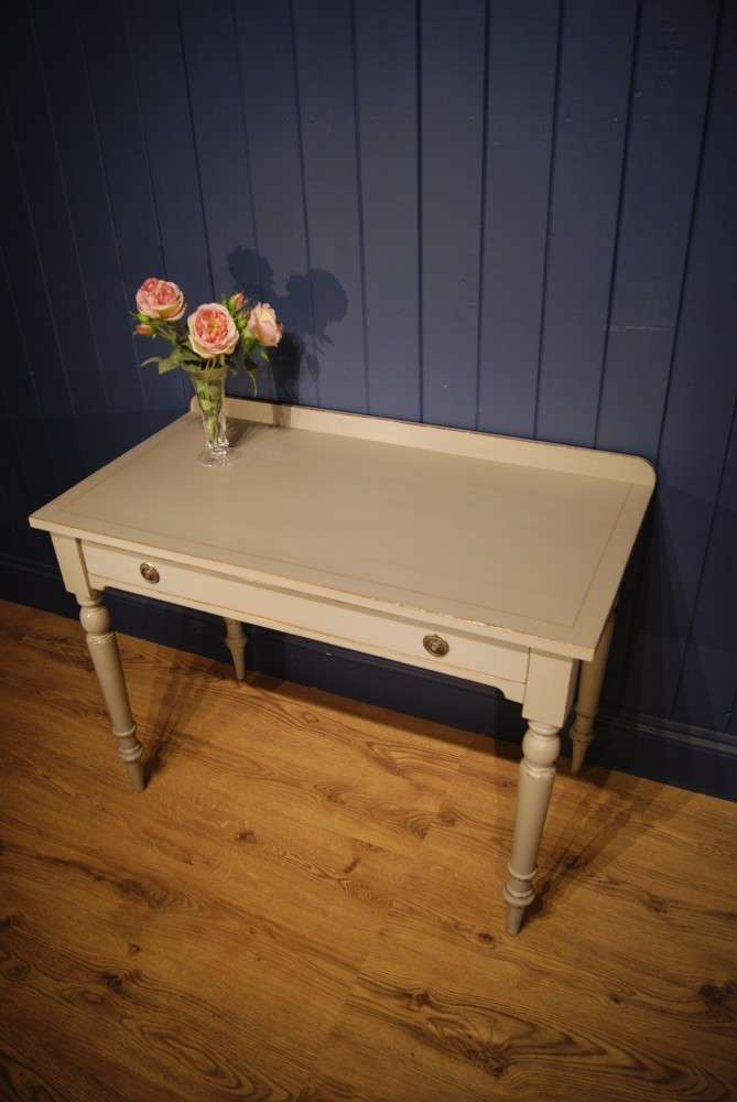 Mid 19th Century Painted Dressing Table3