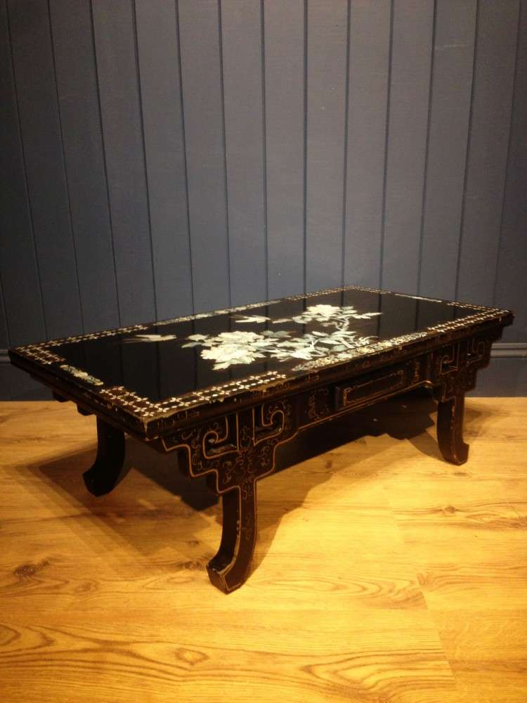 1930's Black Lacquered Mother Of Pearl Table1