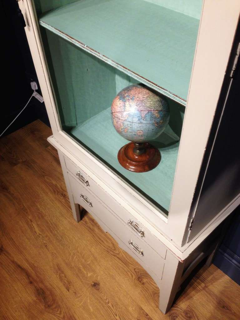 Late Victorian Painted Mahogany Glazed Cabinet4