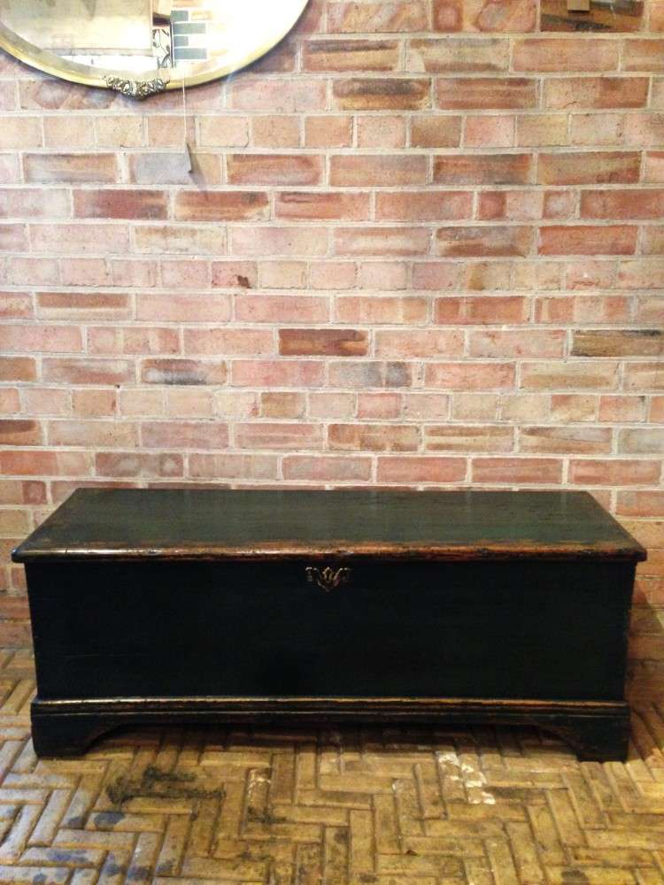Regency Painted Pine Blanket Box1