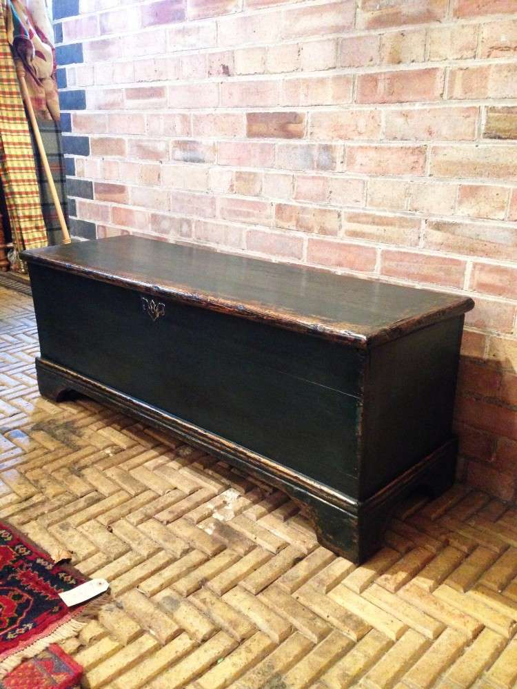 Regency Painted Pine Blanket Box2