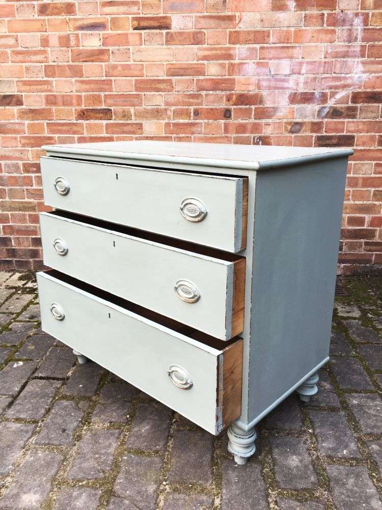 Early Victorian Painted Mahogany 3 Drawer Chest2