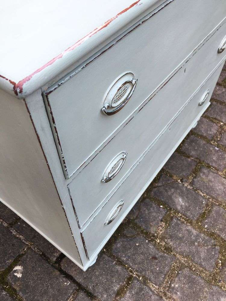 Early Victorian Painted Mahogany 3 Drawer Chest4