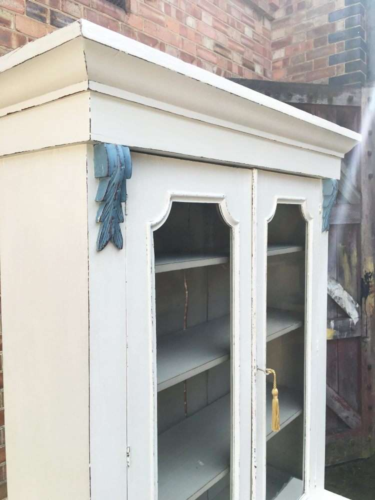 Mid Victorian Painted Mahogany Cupboard Bookcase4