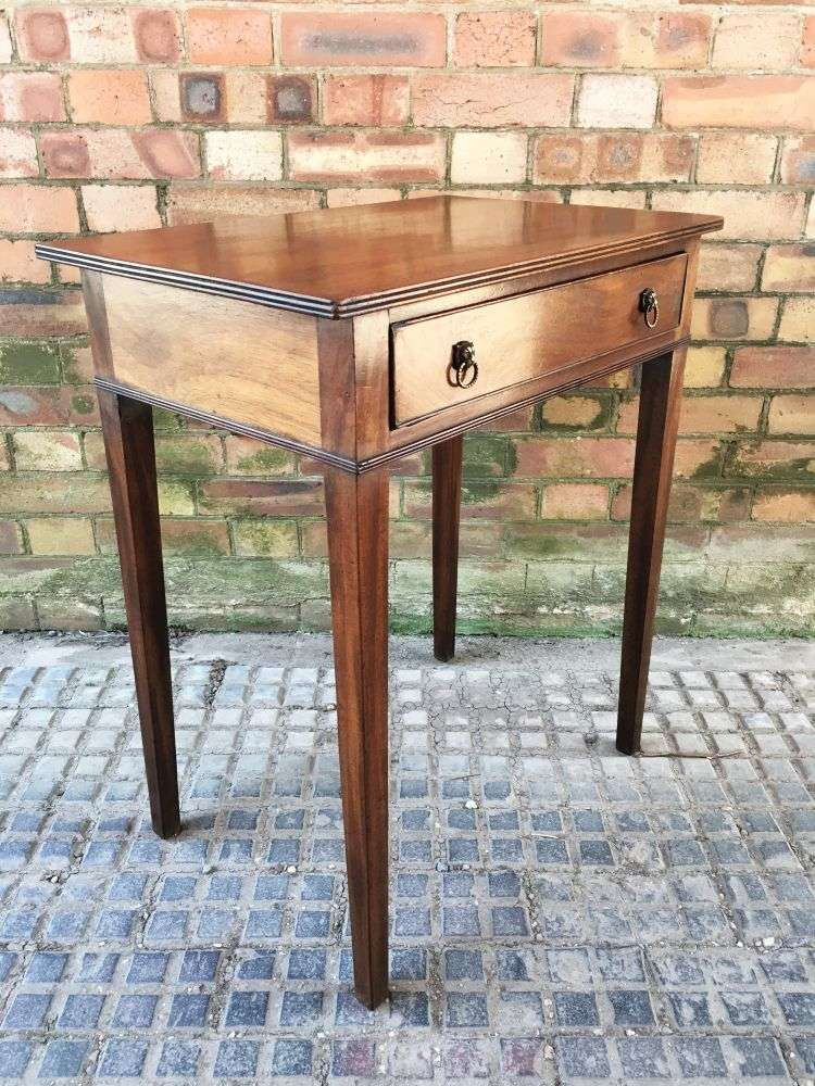 Early 19th Century Rare Small Sized Side table 1