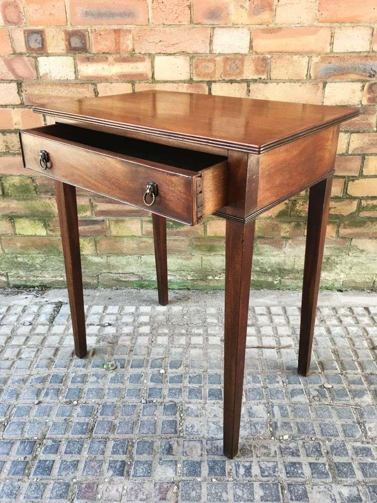 Early 19th Century Rare Small Sized Side table 2