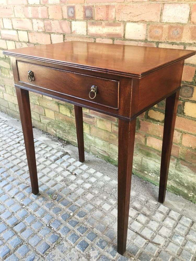 Early 19th Century Rare Small Sized Side table 4
