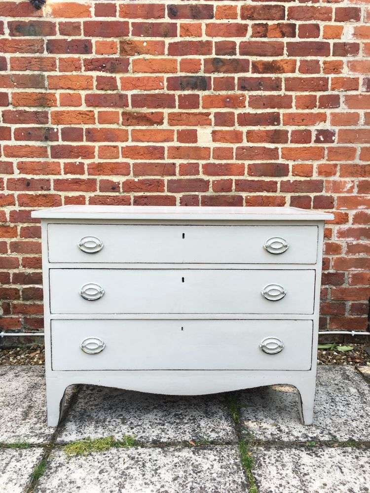 Early Victorian Painted Mahogany Chest Of Drawers3