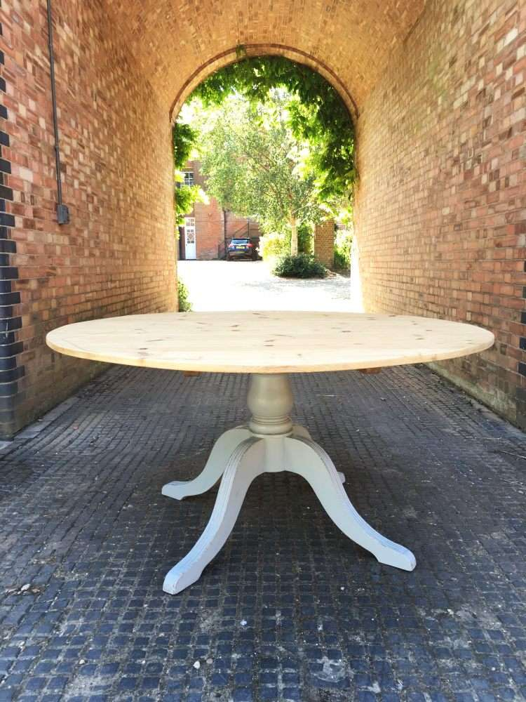 Regency Style 6 Seater Round Dining Table