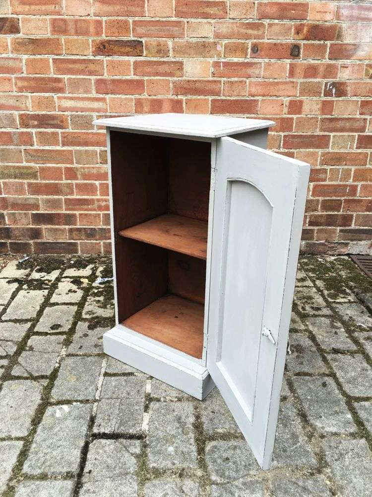 Late Victorian Painted Mahogany Pot Cupboard1