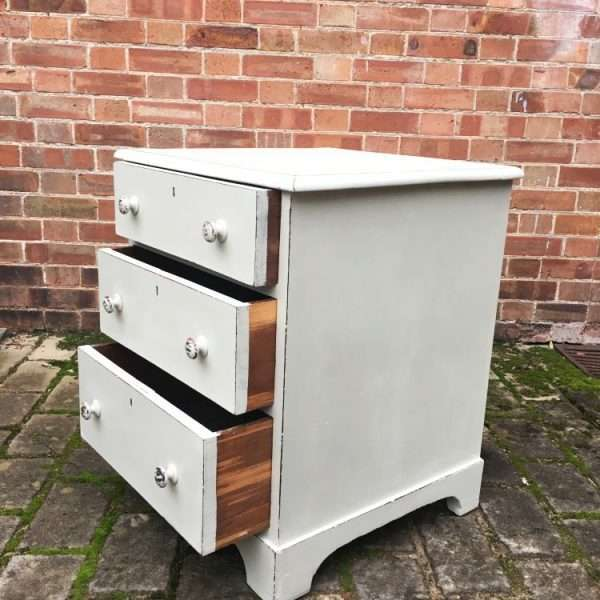 Mid Victorian Painted Mahogany Bedside Drawers2