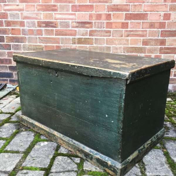 Mid 19th Century Painted Pine Box3