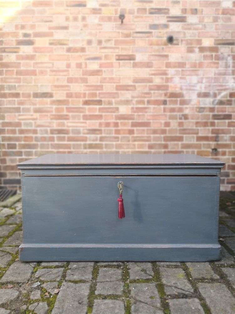 Victorian Painted Pine Blanket Box3