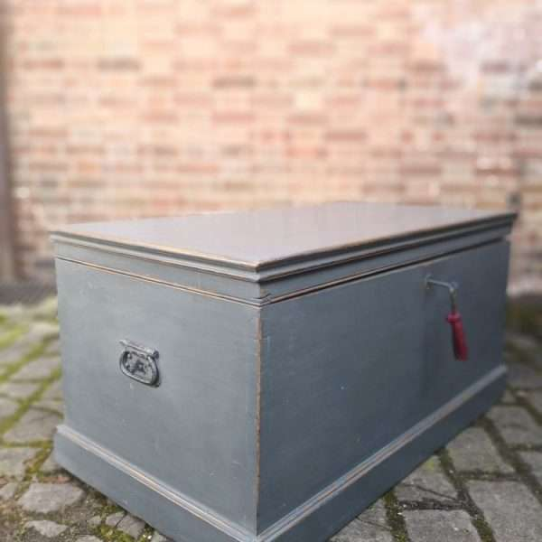 Victorian Painted Pine Blanket Box1