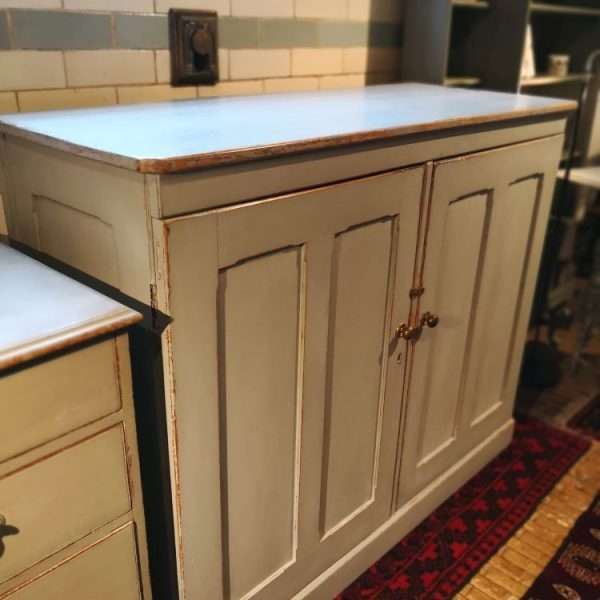 Mid 19th Century Painted Pine Linen Cupboard3