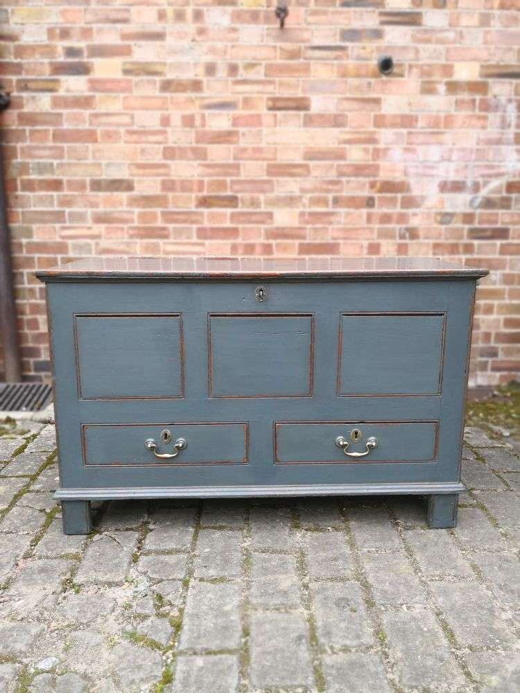 Early 19th Century Painted Oak Mule Chest