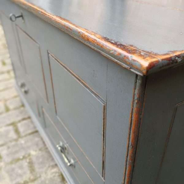 Early 19th Century Painted Oak Mule Chest2