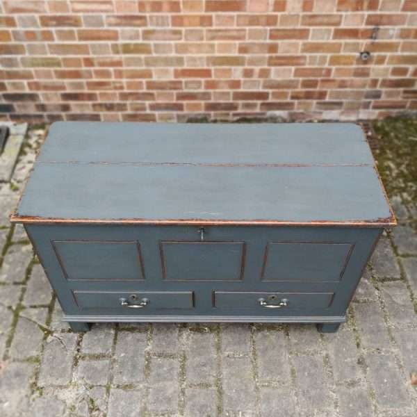 Early 19th Century Painted Oak Mule Chest5