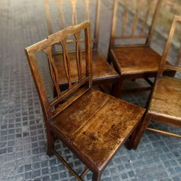 19th Century Set Of 4 Elm Country Chairs1