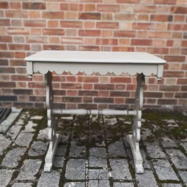 Victorian Painted Mahogany Occasional Table2
