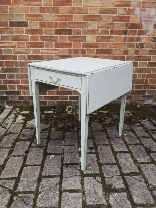 Regency Painted Mahogany Drop Leaf Table £245 – Ref:1430