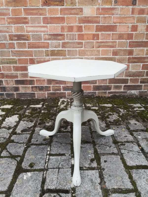 Early 19th Century Painted Mahogany Tripod Table £130 – Ref:1426