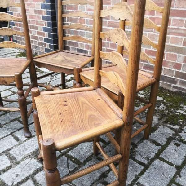 Set Of 4 Oak North Country Ladderback Chairs1